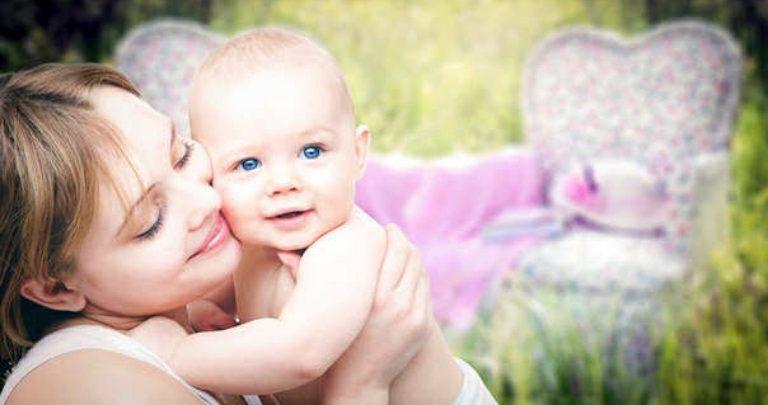Le mamme che hanno tre figli sono meno stressate di quelle che ne hanno uno o due, secondo la scienza.