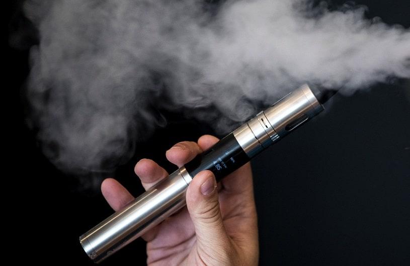 Sigarette elettroniche non sicure e nocive: l'accusa Oms