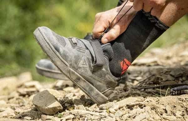 Le scarpe fanno un cattivo odore? Tre trucchi per sbarazzarvene
