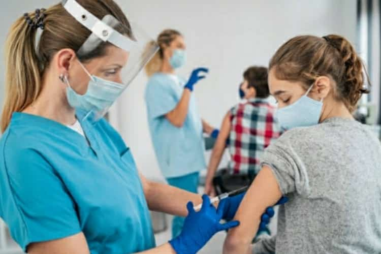 Vaccino Covid Italia: ecco il piano vaccinazioni 2021 mese per mese