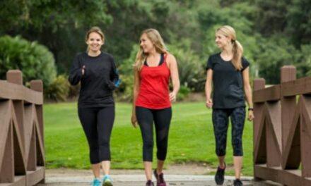 Passeggiare ogni giorno è un toccasana per la salute, lo stress e la depressione