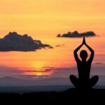Saluto al sole: come praticare questa posizione yoga
