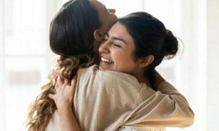 Tutto ciò che può trasmettere un abbraccio: Ecco tutti i benefici
